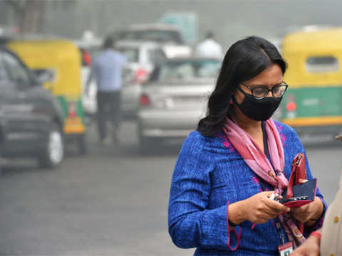 Delhi smog: Ban on trucks, construction lifted
