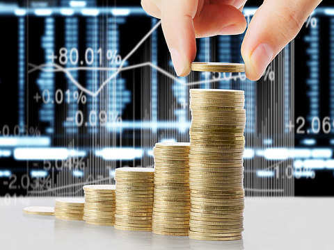 Indians invested more in stocks than in FDs in FY17