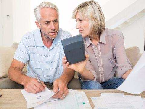 Where should a retiree invest for a monthly income?