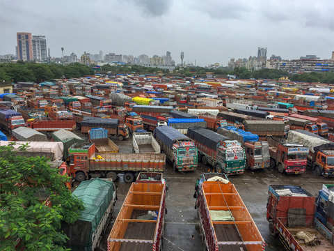 Truckers' strike gets mixed response on day two