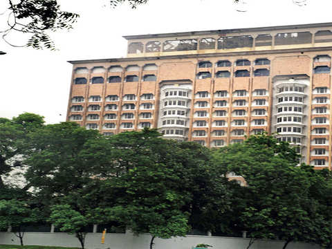 Indian Hotels needs to beat ITC to claim Taj Mansingh