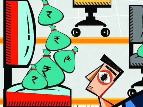 Manufacturing sector paid 5.2% more than median salary of Indian economy: Report