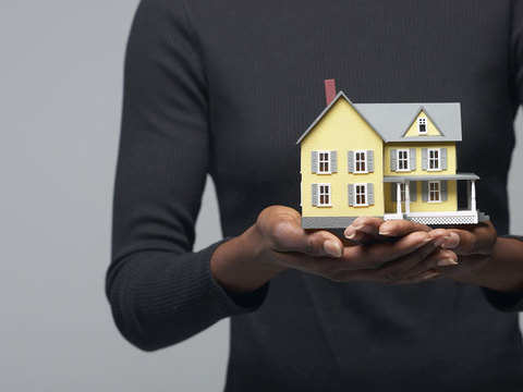 Millennial women lead in online search for properties, men ahead in buying decisions: Study