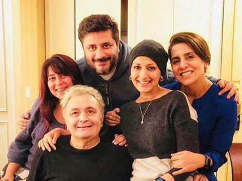 Priyanka Chopra, Sonali Bendre pay a visit to Rishi-Neetu Kapoor in New York