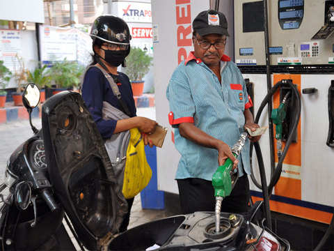 Fuel prices hike again, petrol at Rs 82.72 in Delhi