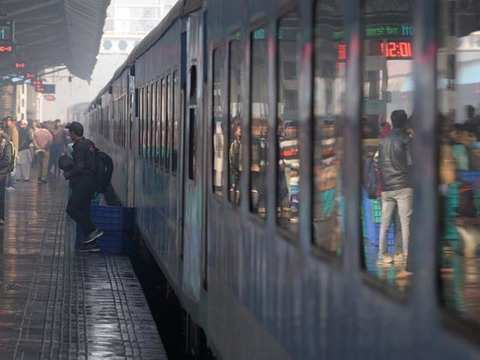 Railways plans to remove curtains in AC coaches