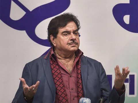 Shatrughan Sinha criticises BJP govt over Rafale deal