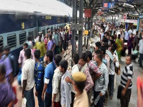 14 injured in 'stampede-like situation' at Santragachi station in Howrah, West Bengal