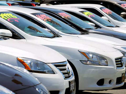 CRISIL cuts passenger vehicles sales growth forecast by 200 basis points