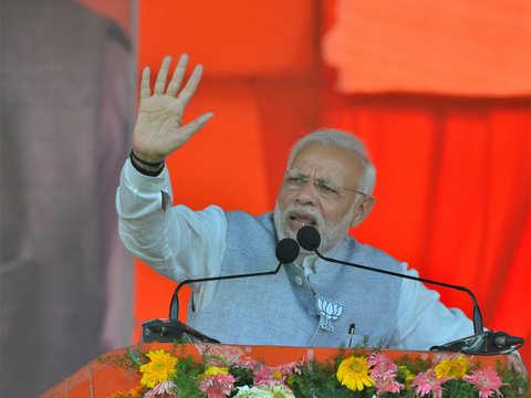 'Raag darbari' of 'naamdar' call Naxals, Maoists revolutionaries: PM Modi