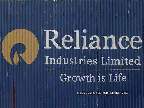 UBS reiterates 'sell' on Reliance Industries shares; price target Rs 1,070/share