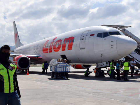 Lion Air CEO Edward Sirait considers cancel of Boeing 737 MAX orders