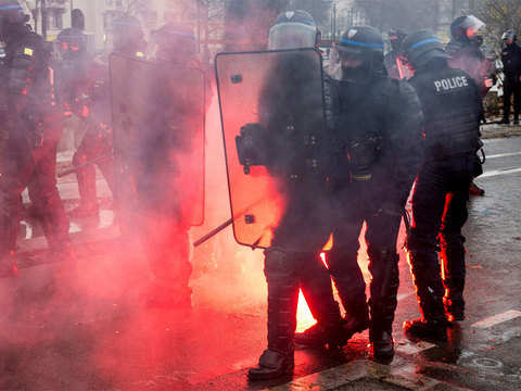 All eyes on Macron after latest 'Yellow Vest' protests hit Paris