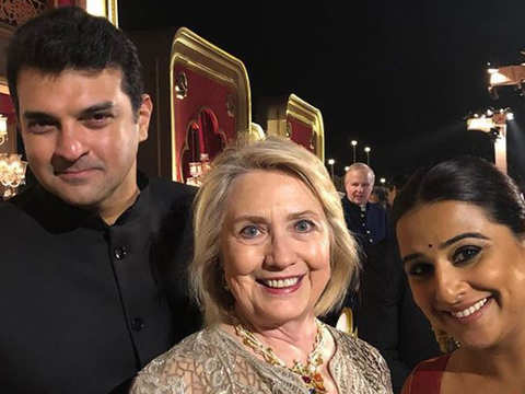 Vidya Balan awe-struck by Hillary, clicks pic with her 'Hero' at Isha-Anand's Udaipur bash