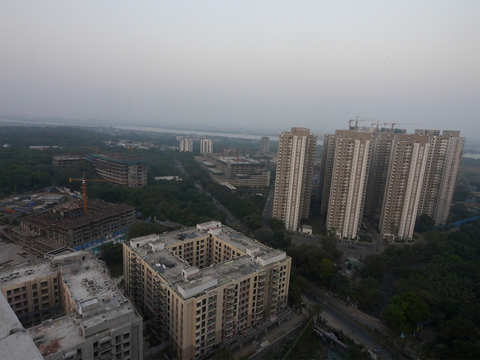 435 infra, road projects stuck due to land acquisition issues