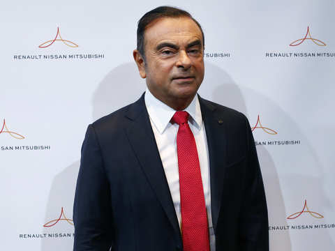 Renault board maintains Carlos Ghosn as CEO, says pay was legal