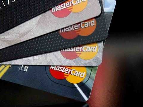 EU fines Mastercard 570 mln euros over cross-border barriers