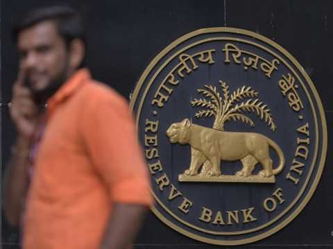 RBI asks FPIs to play in rate swap market here