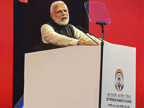 Narendra Modi uses Rajiv Gandhi's remark to hit out at Congress