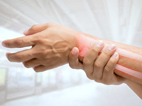 Using hot & cold therapy, losing weight may help alleviate pain amongst those who suffer from arthritis