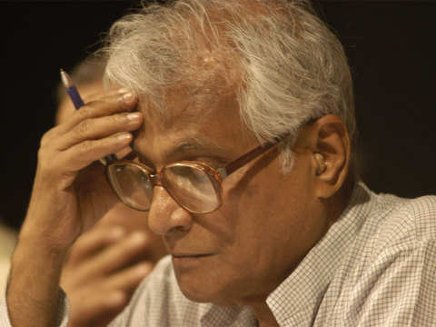 George Fernandes gave paramount importance to well-being of the downtrodden: Manmohan Singh