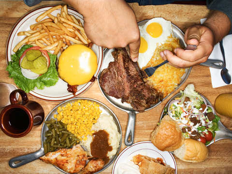 Do you eat more than what your plate can accommodate? Over-sized meals at restaurants lead to obesity