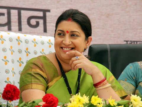 Parrikar-Rahul meeting row: Smriti Irani calls Congress chief 'congenital liar', Cong hits back