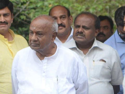 Former PM Deve Gowda backs Mamata Banerjee