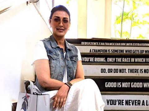 She's back! Sonali Bendre returns to work after cancer treatment; posts pic, video from set