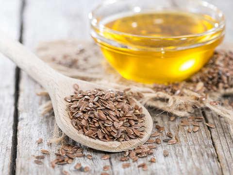 Flaxseeds boost gut health, improve cholesterol & keep weight gain at bay