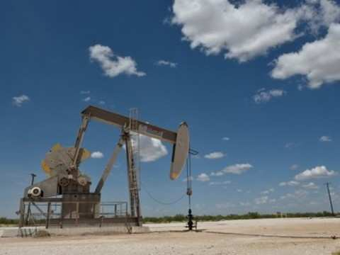 Oil falls on economic slowdown, but OPEC output cuts offer support