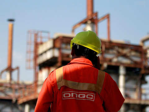 Natural gas price to be hiked by 10 pc for ONGC, Reliance