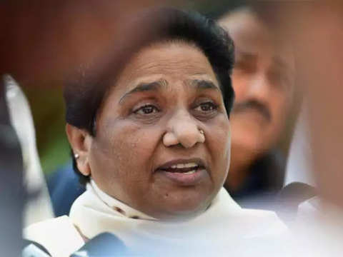 Mayawati drops 'Sushri' from Twitter handle after criticism
