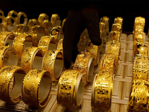 Gold Rate Today: Gold prices rise on weak dollar