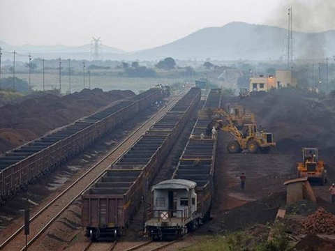 India's coal import rises 5% to 190 MT in April-January