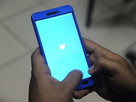 Twitter retains old messages even after they are deleted: Report