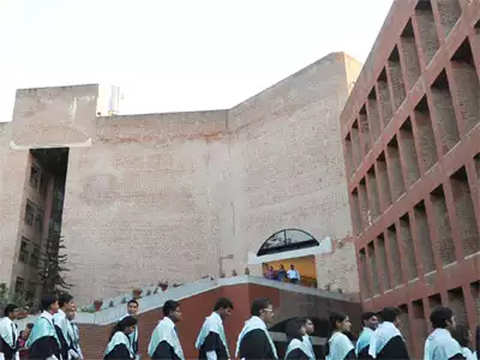 139 firms participate at IIM Ahmedabad final placements