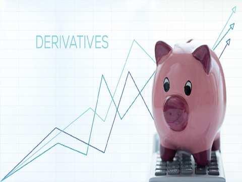Derivatives trade in base metals