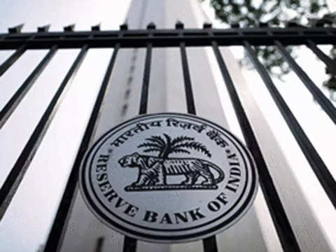 RBI hands over a Rs 28,000 cr cheque to Modi govt as dividend