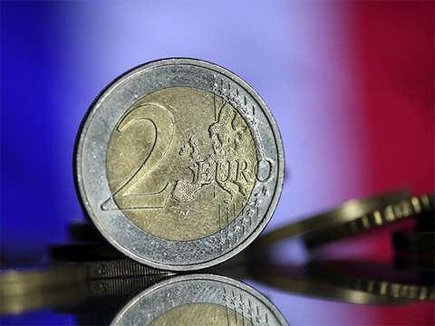 Euro gains as US-China trade-talk optimism boosts sentiment