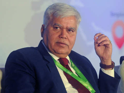 Internet data firms stirring up Aadhaar privacy debate, suspects Trai chief