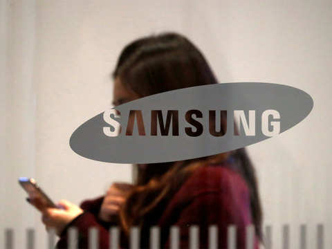 With three new phones, Samsung all set to pull an Apple at 'Unpacked' event
