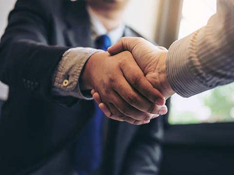 Adani Group in race to buy 23.5% in Mumbai Airport