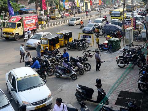 Bengaluru traffic trauma: 44,000 intersections, only 5,000 cops