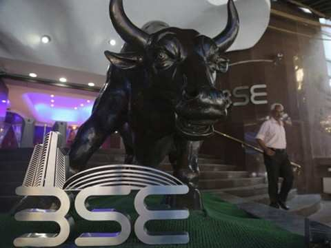 Spicejet, RCom among top gainers on BSE