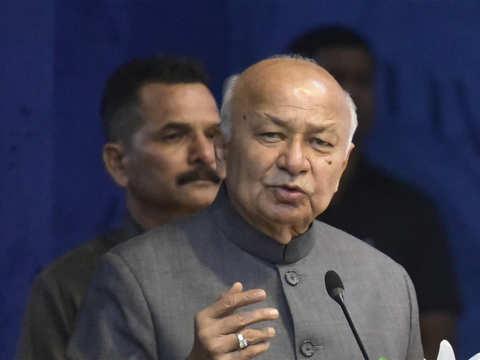 BJP made me an offer: Sushilkumar Shinde