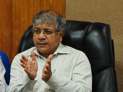 Prakash Ambedkar to contest Lok Sabha polls from Akola, Solapur seats