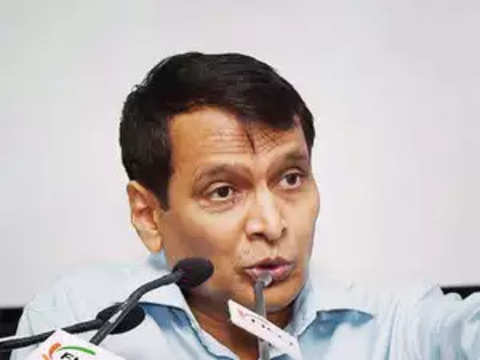 Jet crisis: Suresh Prabhu rules out intervention in commercial matters of airline