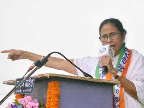 Modi 'sitting' on Saradha, Narada cases: Mamata Banerjee