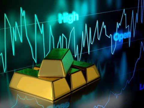 Gold slips to 1-week low as global slowdown fears ease